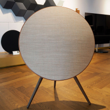Beoplay A9, 4. generation - Bronze Tone/Valnød m. Google Assistant
