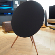 Beoplay A9, 4. generation - Black/Valnød m. Google Assistant